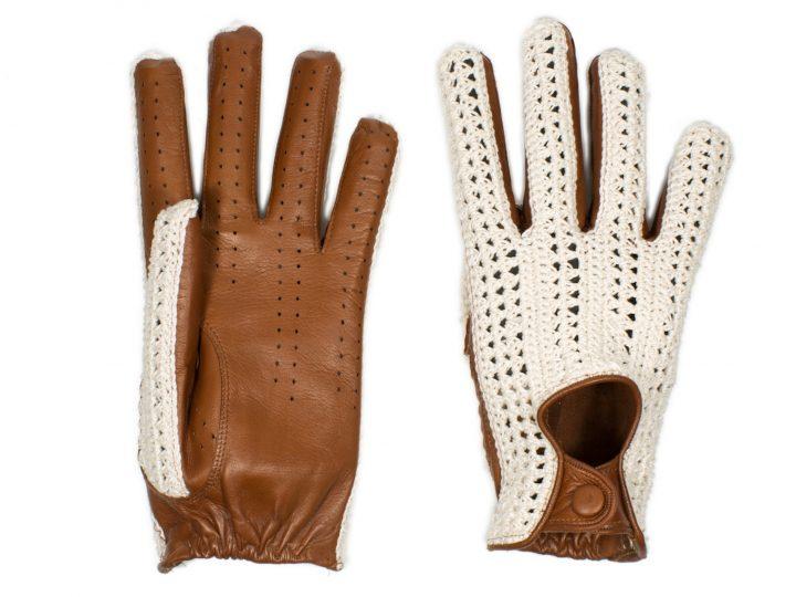 Articolo 29: crochet e nappa per un guanto da guida a dita intere