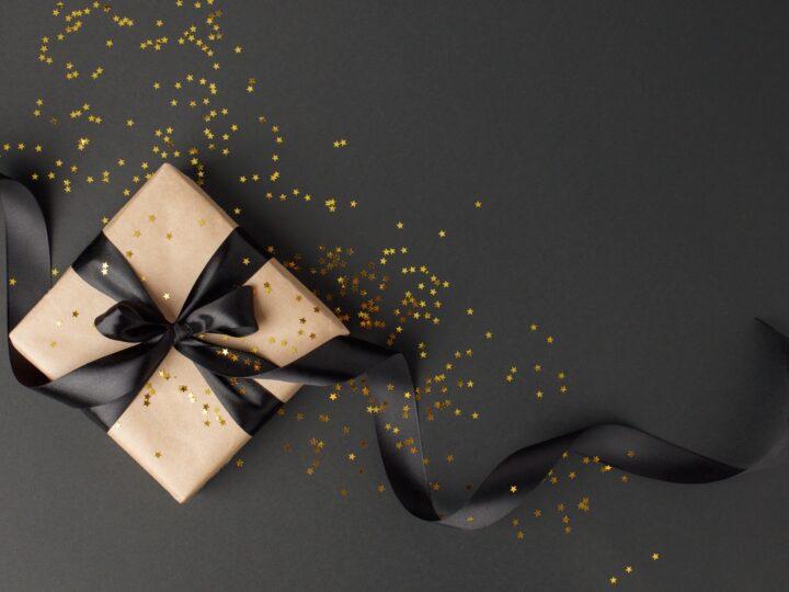 La nostra guida astrologica ai regali vi attende